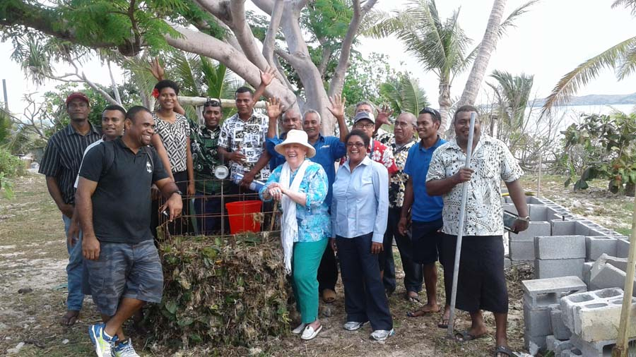 Navini host Seaweed Compost Workshop